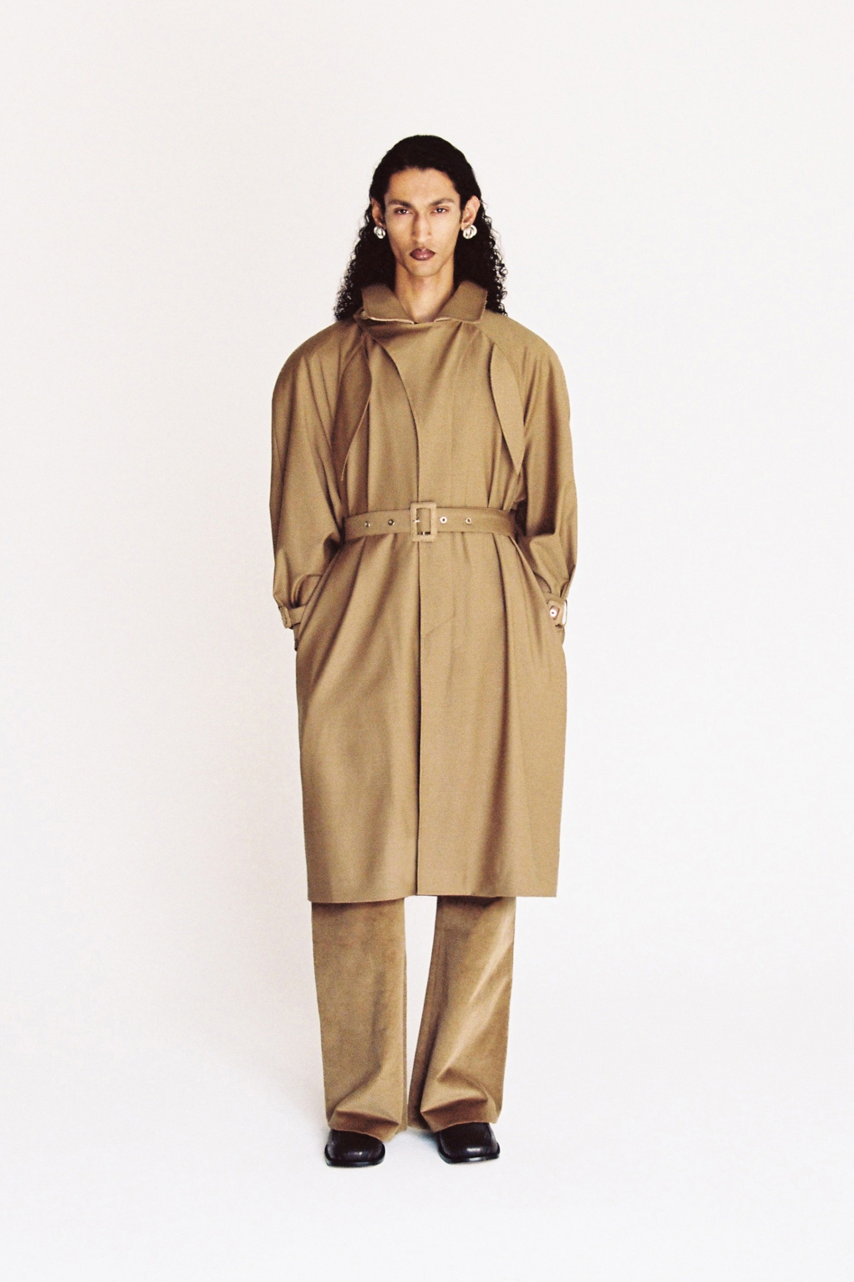 SITUATIONIST SS22 LOOK 033
